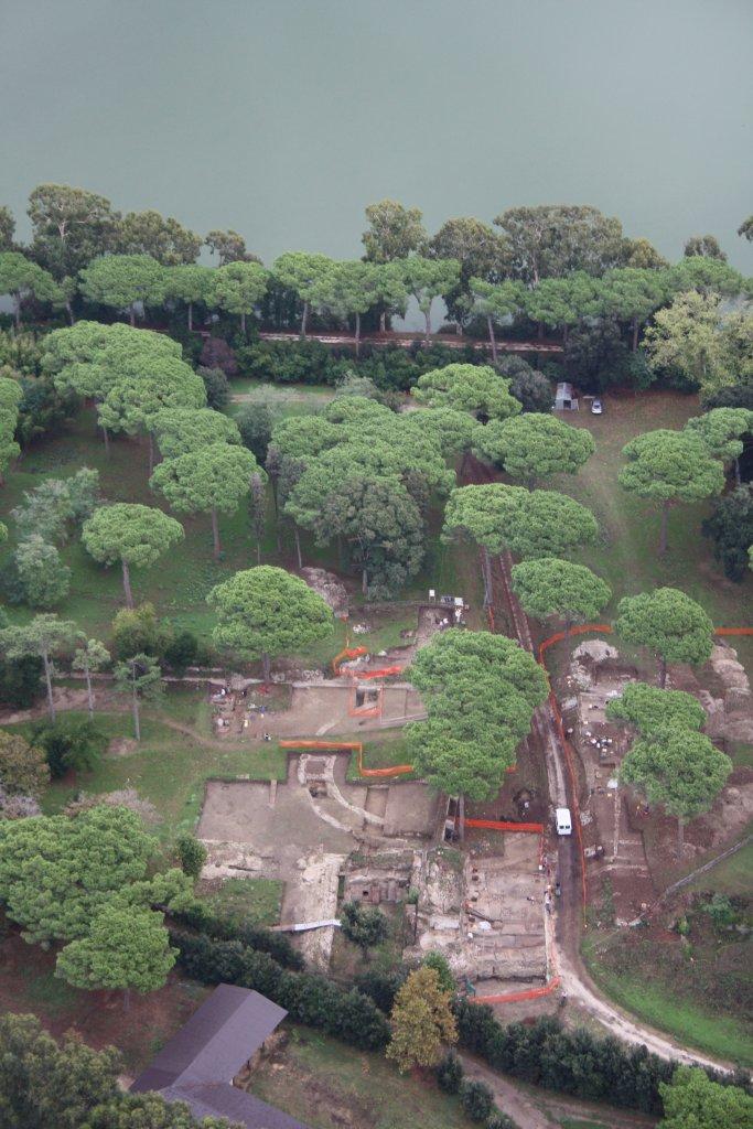 Period 4 amphitheatre during excavation